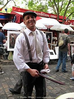 Paris, Montmartre, l'un des serveurs de La Crémaillère 1900