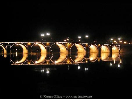 Angers, le Pont de Verdun de nuit