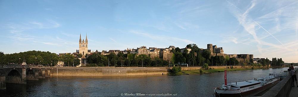 Angers, le Château, la cathédrale Saint-Maurice et la Maine