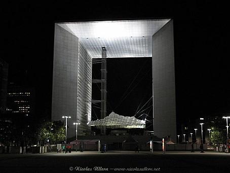 La Défense, la Grande Arche de nuit