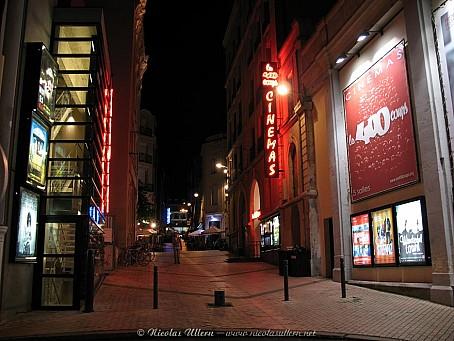Angers, le cinéma Les 400 Coups la nuit